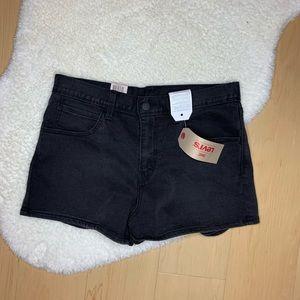 LEVI'S NWT Faded Black High Rise Jean Short